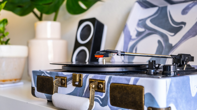 10 Best Turntable Speakers for Your Record Player